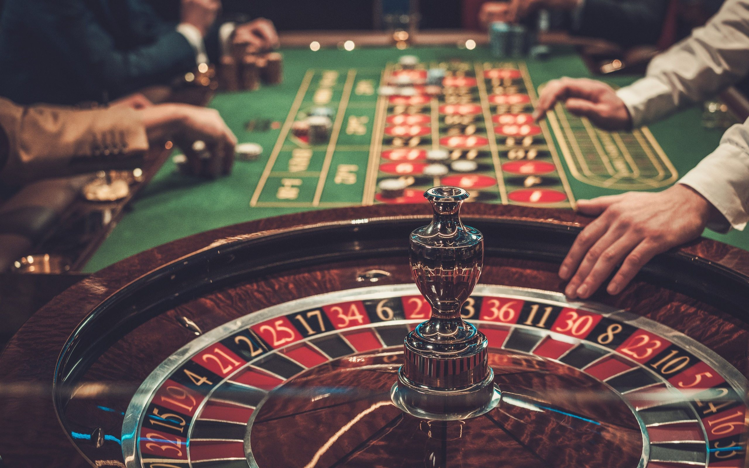 Why Everyone Seems To Be Useless Fallacious About Online Casino