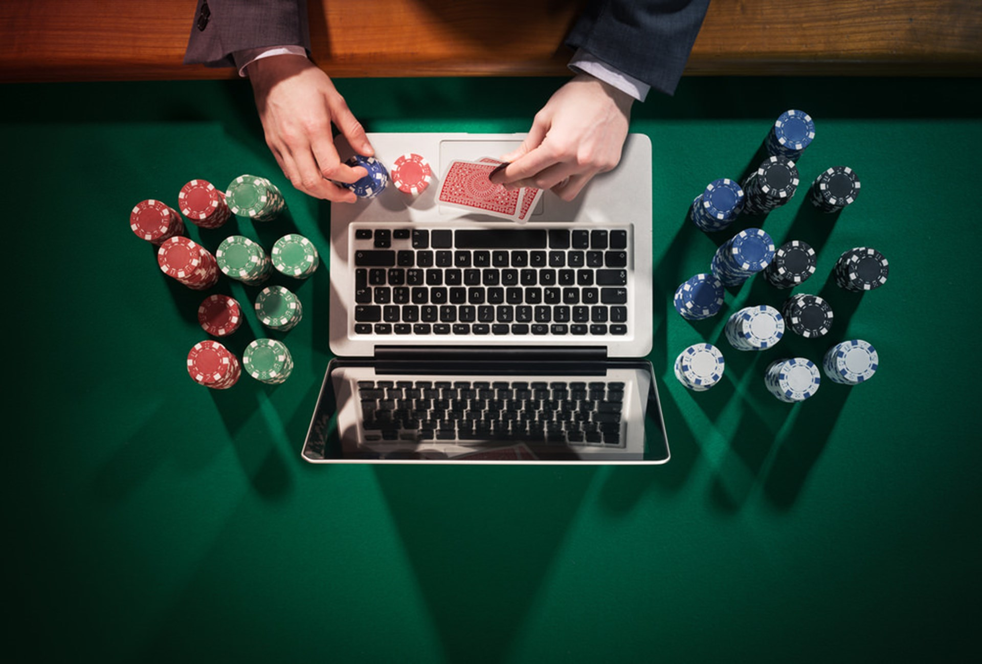 Win At Online Roulette – Without Losing Cash